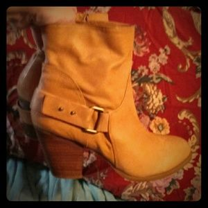 GUC Nine West Tan leather Stacked heel Ankle Boots